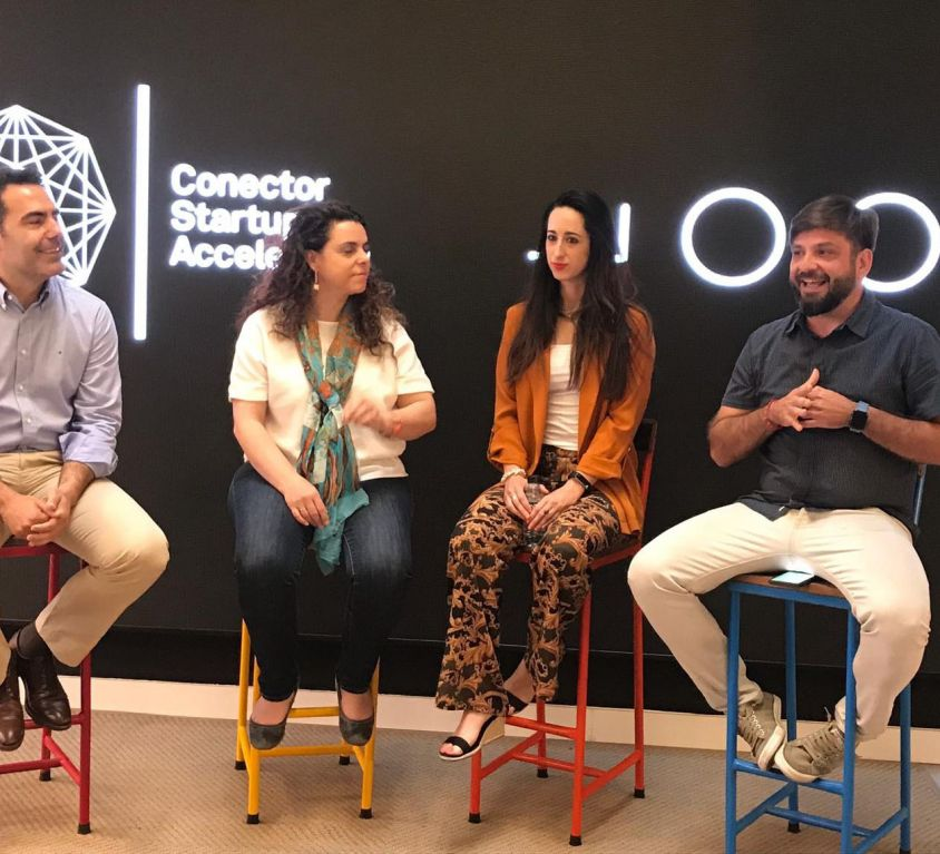 Mesa redonda sobre 'Medios de comunicación y startups'